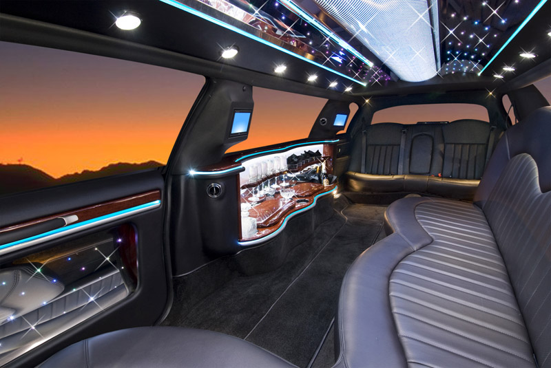 A Limo for a St. Louis Wedding Can Make It More Memorable